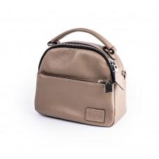 Акуратна маленька сумочка кольору тауп