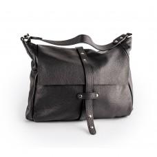 Чорна шкіряна сумка з клапаном